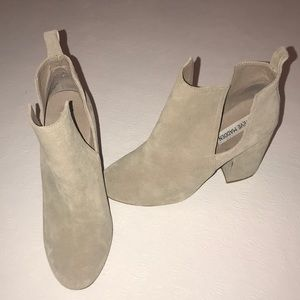 Steve Madden Taupe Booties size 8